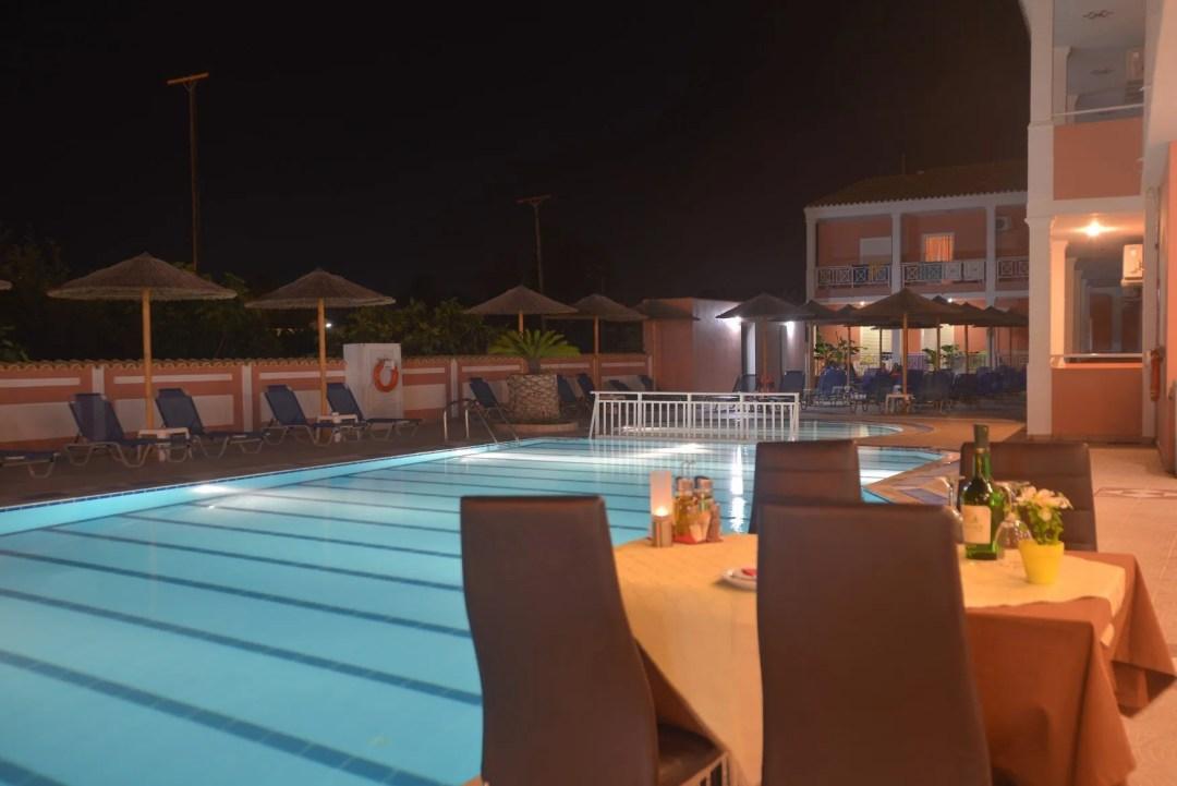 angelina-hotel-sidari-corfu-pool-side-restaurant