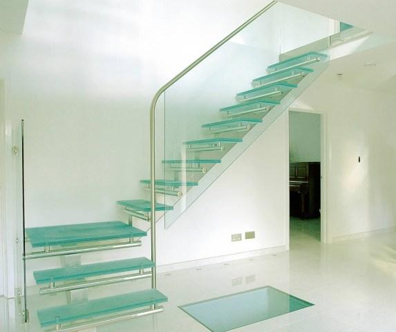 Γυάλινες σκάλες – στηθαία Κέρκυρα