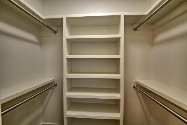 8901 Calera Dr Austin TX 78735-large-085-34-Apartment Closet-1500x1000-72dpi