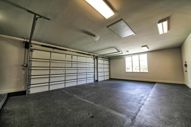 8901 Calera Dr Austin TX 78735-large-090-73-Garage-1500x1000-72dpi