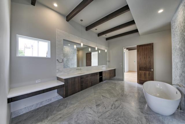 8901 Calera Dr Austin TX 78735-large-032-21-Master Bathroom-1500x1000-72dpi