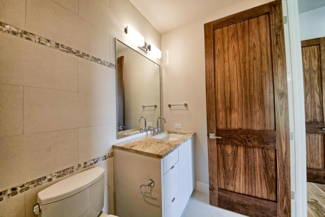 8901 Calera Dr Austin TX 78735-large-059-66-Bathroom 3-1500x1000-72dpi