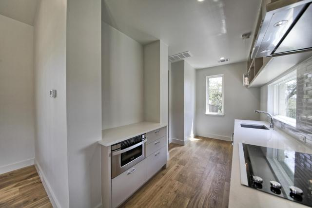 8901 Calera Dr Austin TX 78735-large-082-71-Apartment Kitchen-1500x1000-72dpi