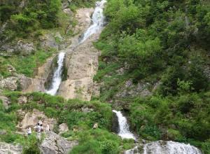 Cascada Cailor, minunea dintre munți