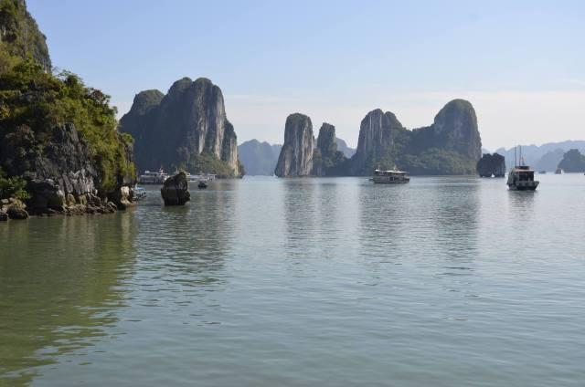 Ha Long Bay, locul în care dragonii coboară din cer