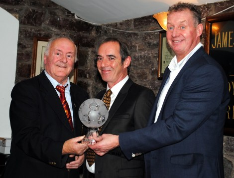Denis O'Driscoll presenting Brian Lennox with a Distinguished Service Award at the 2016 presentations
