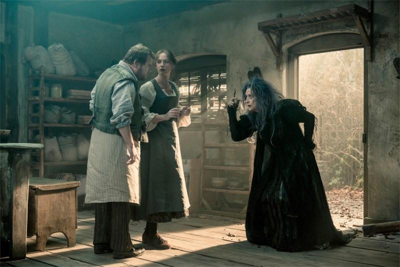 Into_the_Woods-Meryl_Streep-Emily_Blunt-James_Corden-003