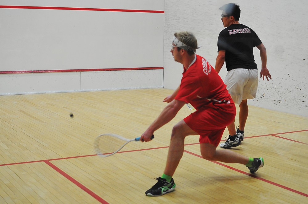 The men's squash team went 1-4 over break, dropping games to other nationally-ranked opponents.
