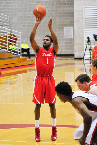 Darryl Smith, the Ivy League leader in Field Goal Percentage, scored a total of 25 points in Cornell's victories over the weekend.