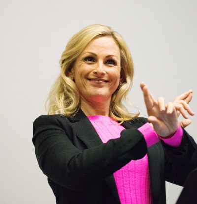 Overcoming obstacles | Marlee Matlin cites Judaism, family and mentors as instrumental to her success at a talk in Olin Hall Monday. (Tina He / Sun Staff Photographer)