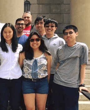Honors Experimental Chemistry I class picture from spring '16. Darryl Wu is in the front right.
