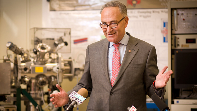 Senator Chuck Schumer (D-NY) awarded $400,000 in a federal grant to Cornell's Nematode Quarantine Lab on Friday.