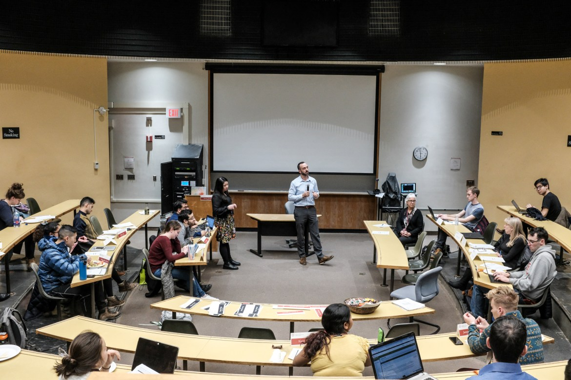 At its Monday meeting, GPSA discusses the financial compensation packages graduate students receive.
