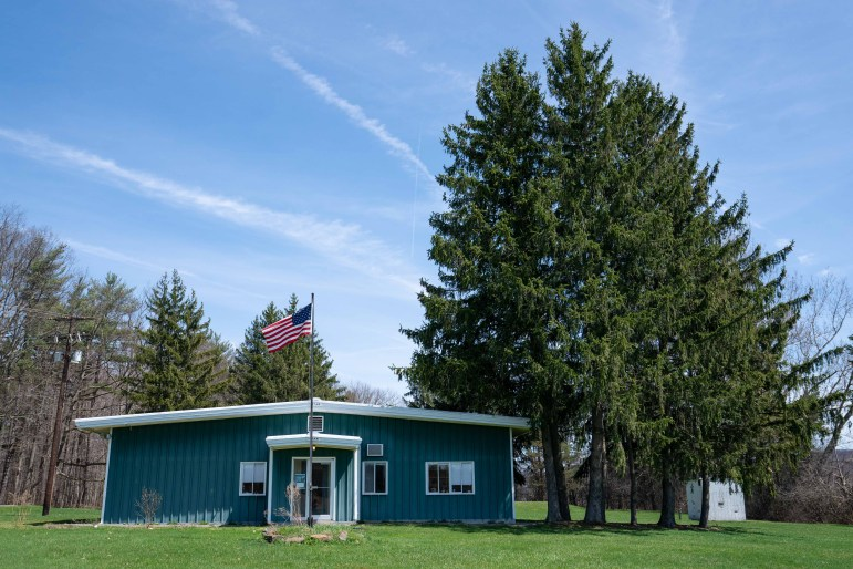 The Dyce Bee Lab is about a ten minute drive from central campus.