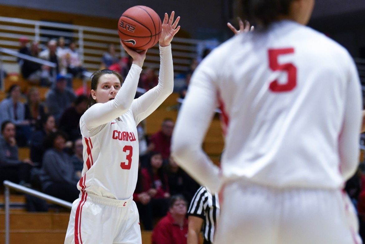 Junior guard Kate Sramac scored 25 points on the weekend.