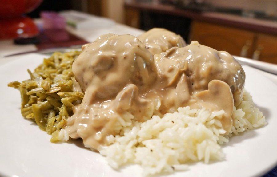 savory baked meatballs w brown mushroom gravy