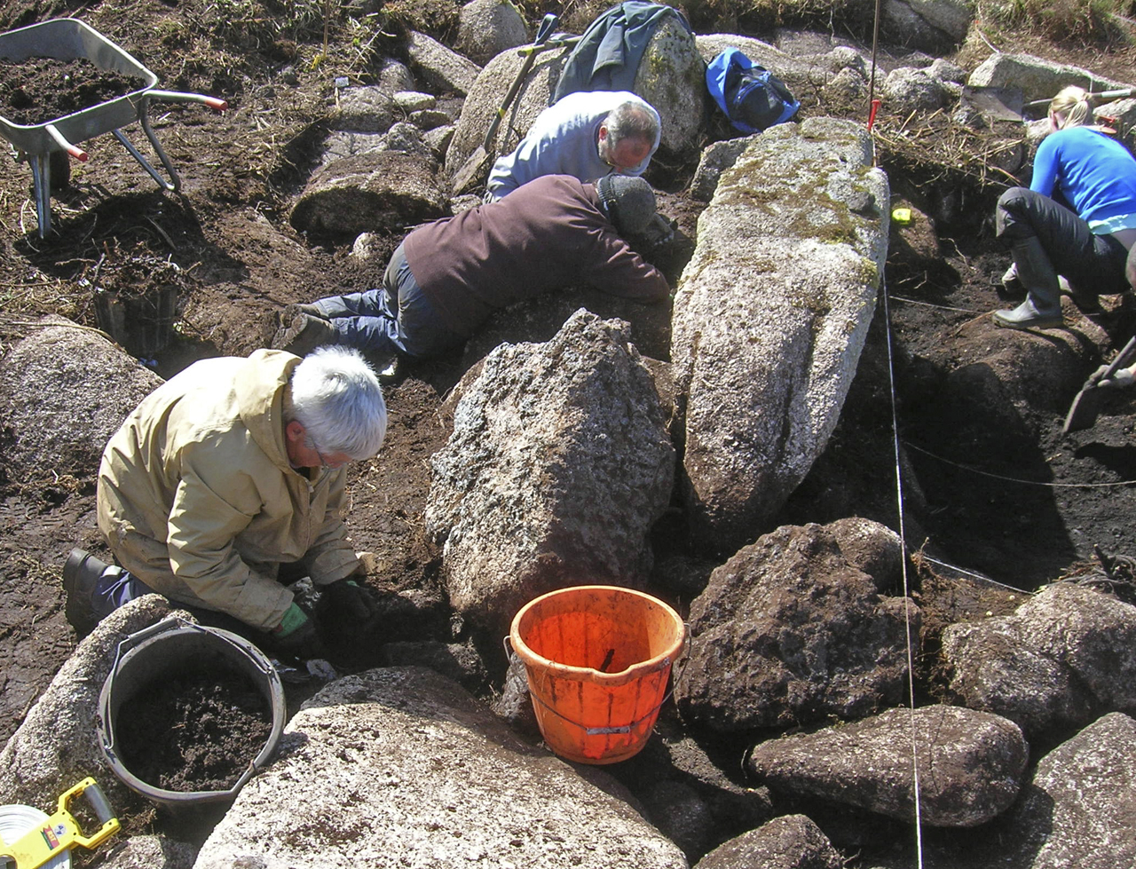 CAS members excavating at Bossilliack