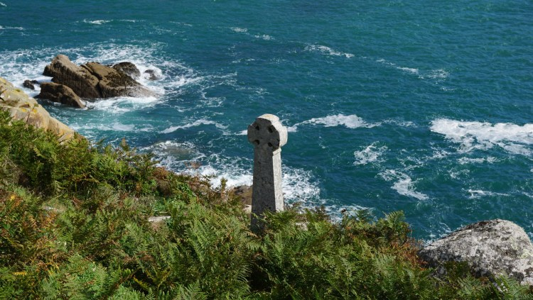 Cross Lamorna Cove