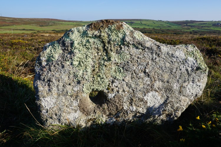 kenidjack holed stone