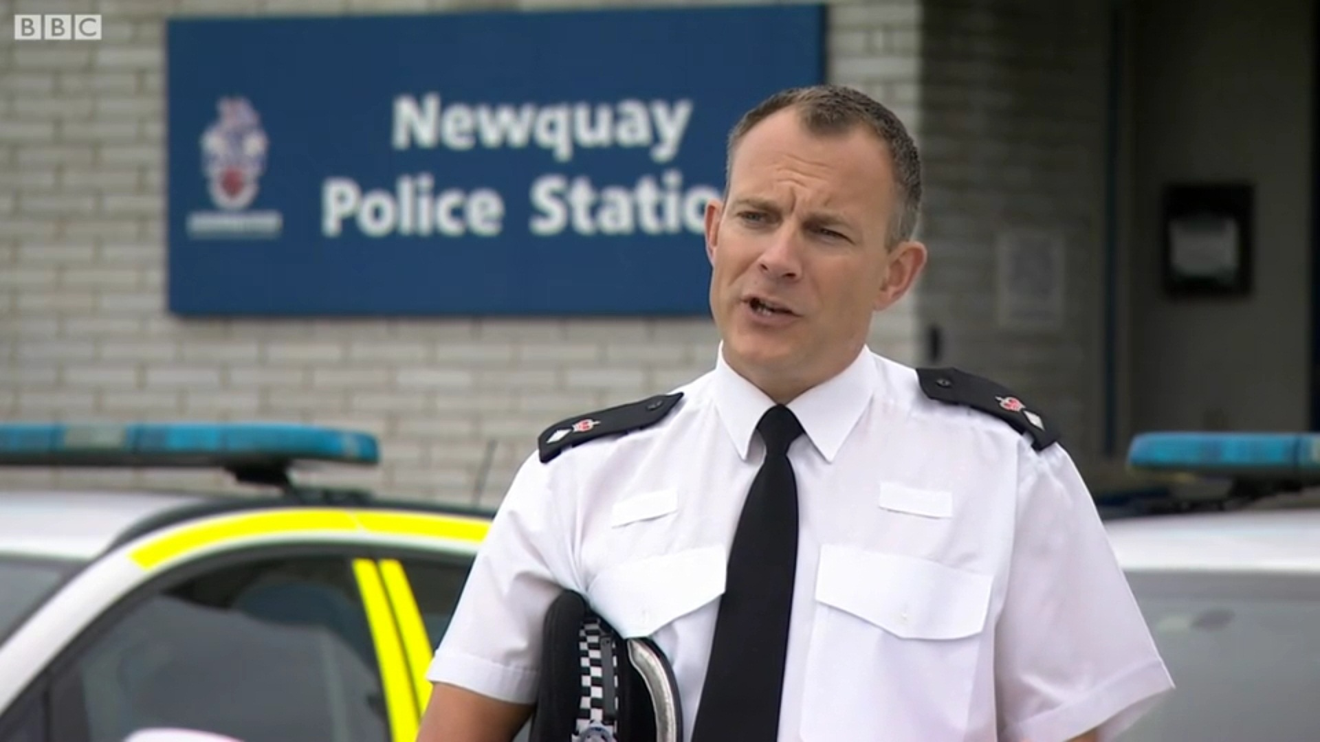 Newquay: Policeman airlifted to hospital with serious burns after 'attempted murder'