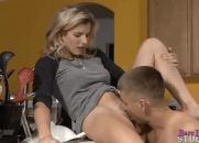 Rolou Incesto entre o filho e a loira gostosa carente da mamãe