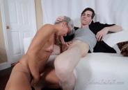 Coroa Cinquentona Gostosa fazendo sexo proibido com o seu sobrinho