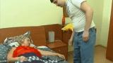 Filho Safado Abusando da Própria Mãe Depois de algemar suas Mãos