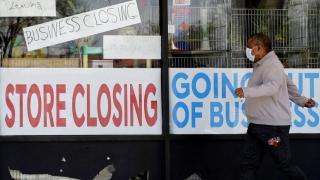 وباء كوفيد-19 يلقي بظلاله على المستقبل الاقتصادي للشباب