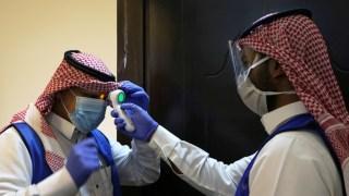 الإصابات اليومية بكورونا في السعودية تحت الألف حالة لأول مرة منذ أسبوعين..