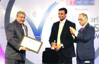 Dr Vivek Desai, MD, Hosmac received 'Leaders of Tomorrow Award – 2011""