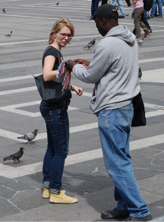 Paris Friendship or String Scam