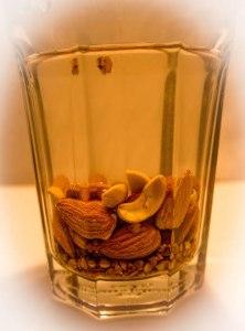 Trempage des noix et des grains avant de préparer le Vlait