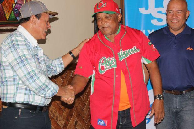 Peloteros chiricanos pedirían seguro de vida para jugar el Torneo Mayor