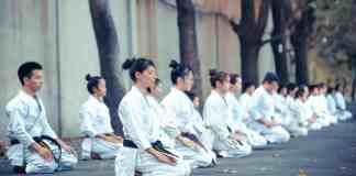 Salut traditionnel d'un dojo