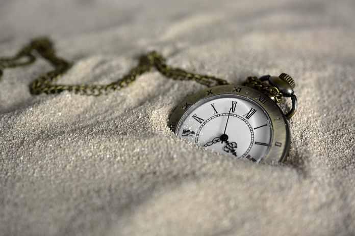 Chronomètre dans le sable