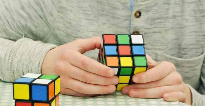 Rubis-cube deux bandes et rubis-cube trois bandes
