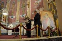 Here parishioner Helena Gołębiowska greets Fr. General to Corpus Christi.