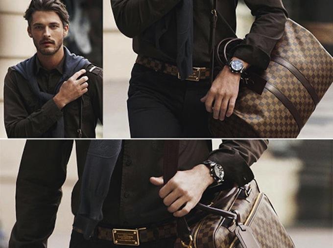 accessori must have per uomo, borsa loui vuitton