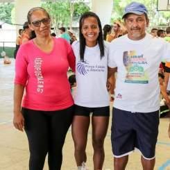 Aline Prupru e seus pais