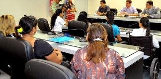 Alunos da Tahirih, na Comissão de Defesa do Consumidor/Foto: Elisa Maia
