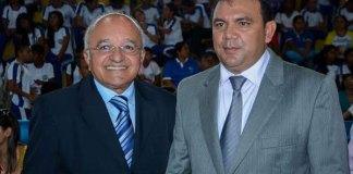 Melo e o prefeito Padre Carlos, em Maués/Foto: Valdo Leão