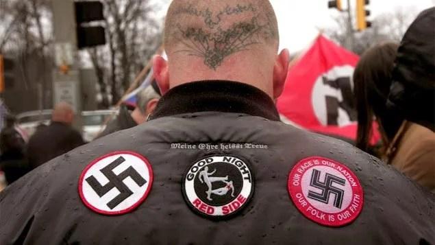 A ascensão do neonazismo na Europa e nos EUA tem sido relegada a um segundo plano pelas forças progressistas