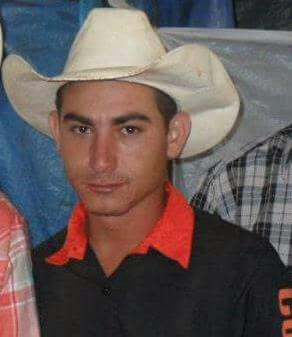 Lagamarense é campeão do rodeio da Fenamilho 2017