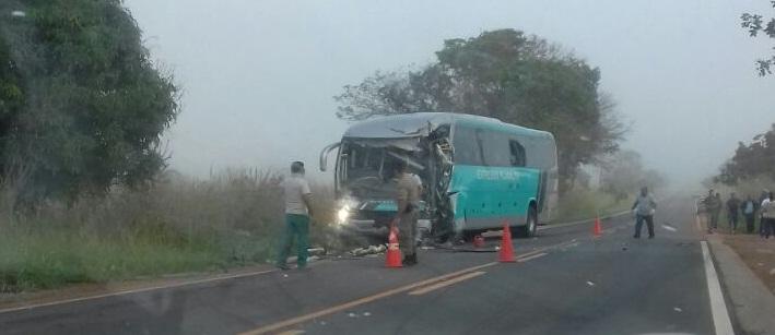Motorista da Viação Planalto morre e outros sete ficam feridos em acidente próximo a Vazante