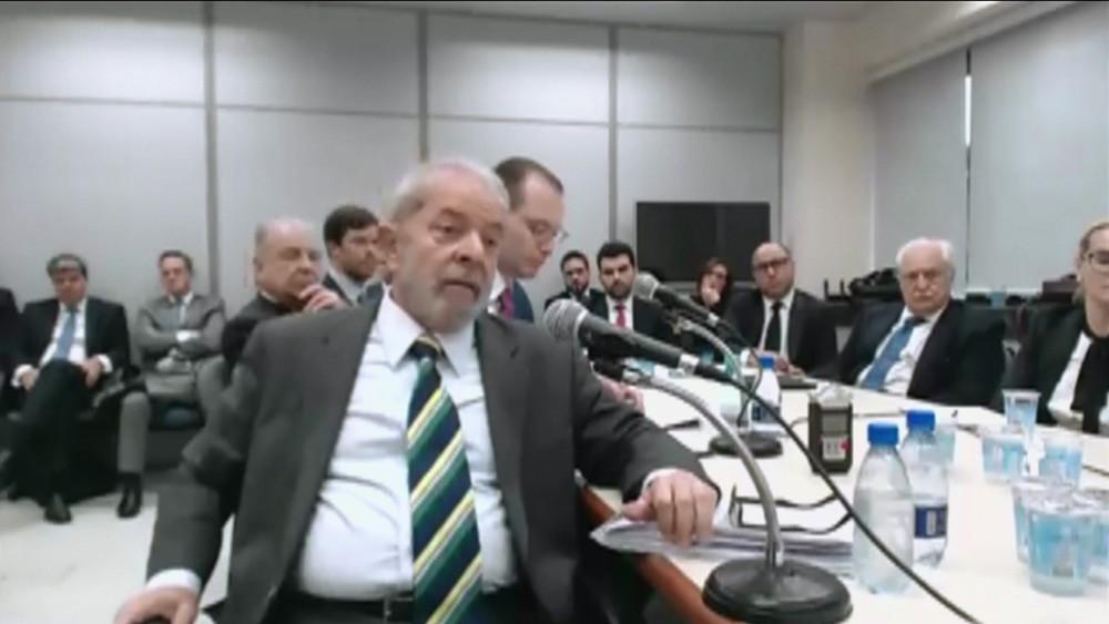 MPF pede prisão do ex-presidente Lula e pagamento de R$ 87 milhões em multas no caso do triplex