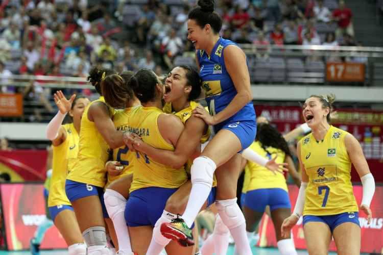 Seleção feminina vence Itália e conquista 12º título de Grand Prix