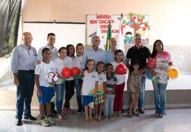 Vice-governador participa de inauguração de reforma da escola Martinho Campos