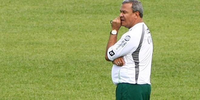 Hélio dos Anjos reassume comando técnico do Goiás E.C, após 5 anos