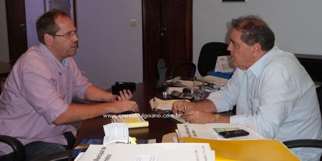 Novo delegado, Fabiano Jacomelis se reúne com prefeito Rogério Troncoso