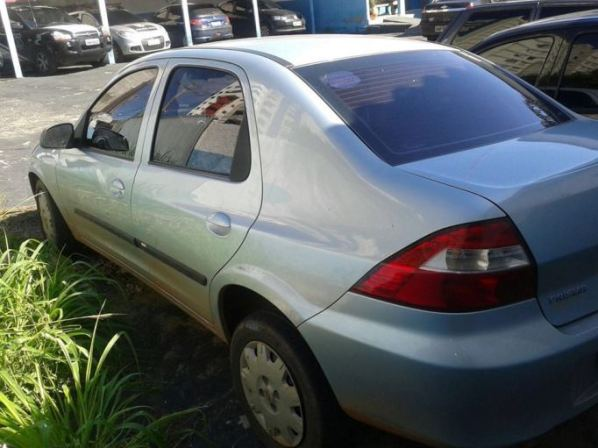 Carro roubado foi recuperado pela PM